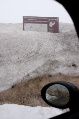 Verschneite Alpenpässe.