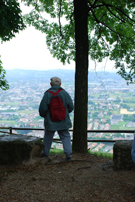 Blick von den Hügeln in die Ebene.