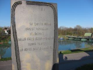 Denkmal an Ernest Hemmingway und den ersten Weltkrieg